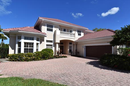 Home & Villa Listings