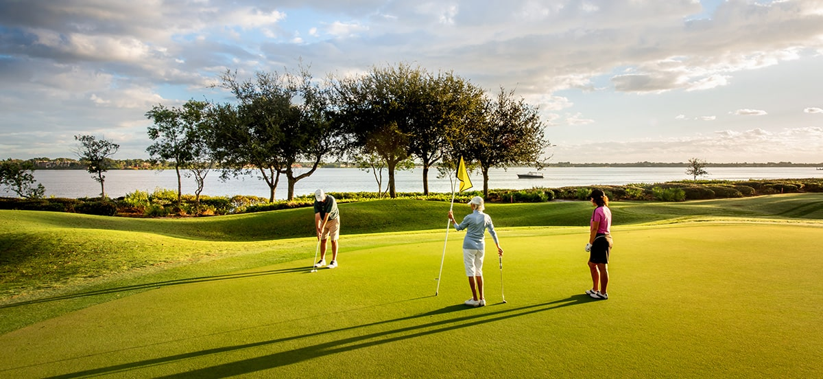 3 members of harbour ridge golf club golfing