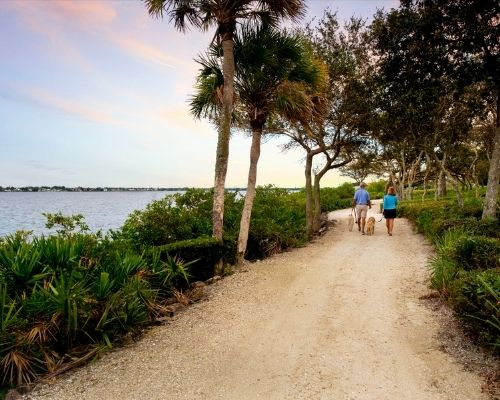 waterfront trails at harbour ridge