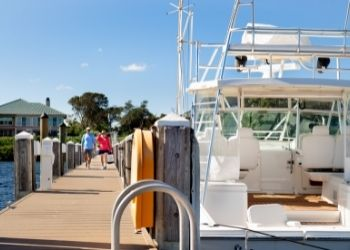 6 Great Restaurants You Can Get to by Boat Harbour Ridge style=